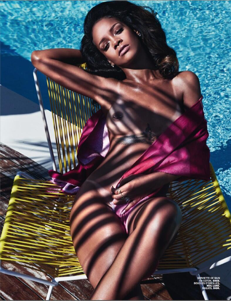 Rihanna Misplaces Her Clothes For Another Naked Shoot (NSFW) BmaLZAUCIAALVO0