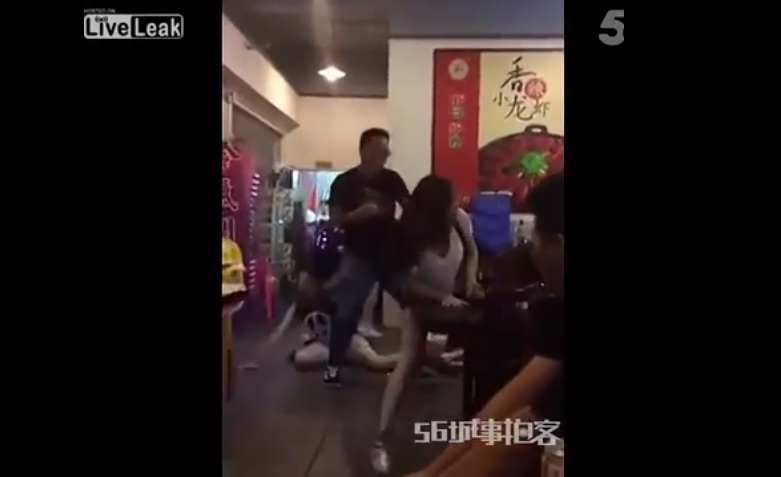 2 Man Jumps In On 5 On 1 Girl Fight, Obliterates Them All