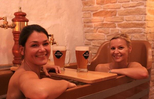 Beer Spa In Prague Allows You To Get Wasted While Bathing In Beer 472
