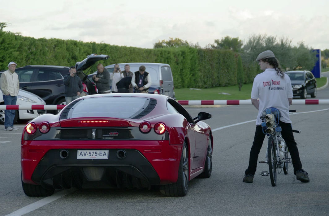 3 Lad Absolutely Smokes A Ferrari On His Custom Built Rocket Powered Bicycle
