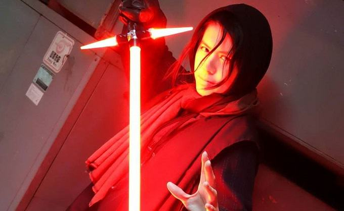 A Japanese Guy Has Built The New Star Wars Lightsaber, Obviously gl3oqmn66kkc6aabsbhs