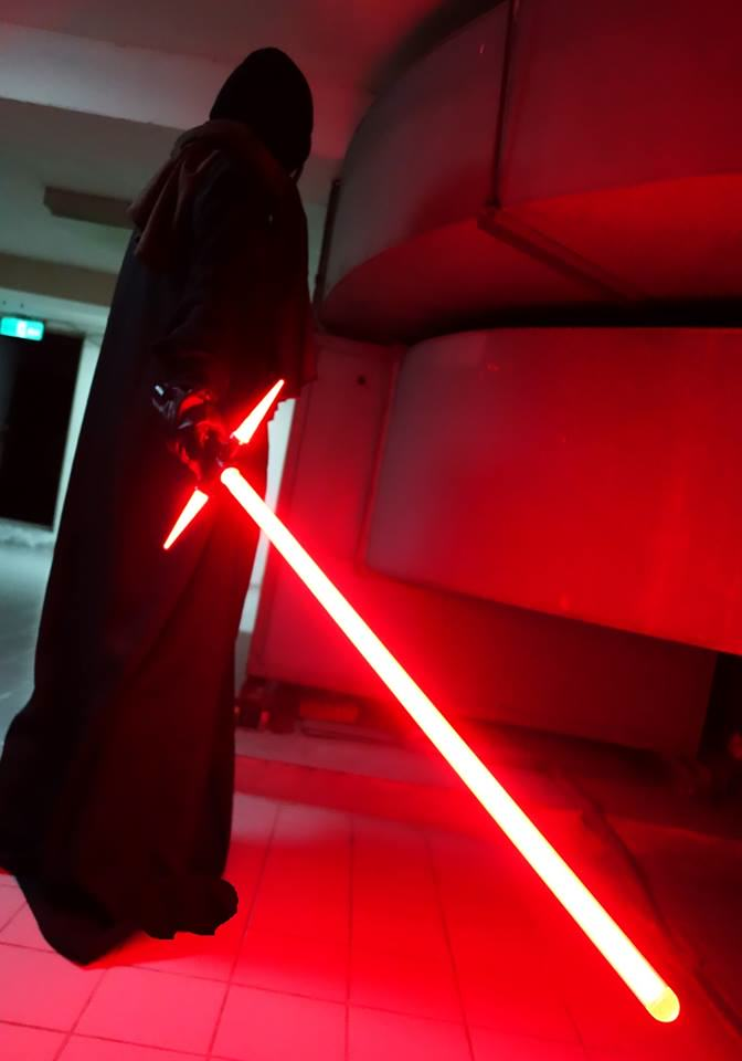 A Japanese Guy Has Built The New Star Wars Lightsaber, Obviously qbrwtykcu6h3u82toyjz
