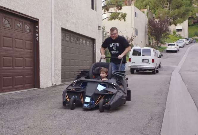 batmobile Lucky Kid Gets A Batmobile Pushchair And Its Awesome