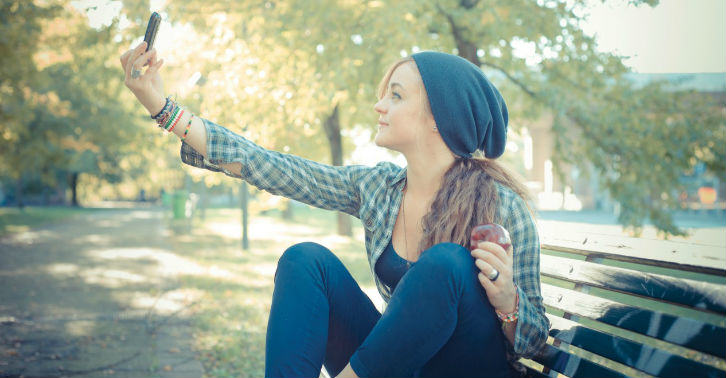 selfie fb thumb Learn How To Take The Perfect Selfie At A London College