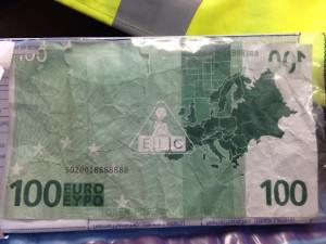 100euro Kid Manages To Use Toy €100 Note In Northern Irish Sandwich Shop