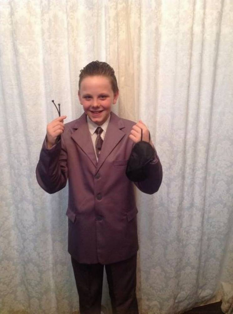 Year 7 Kid Banned From School For Wearing 50 Shades Outfit boy