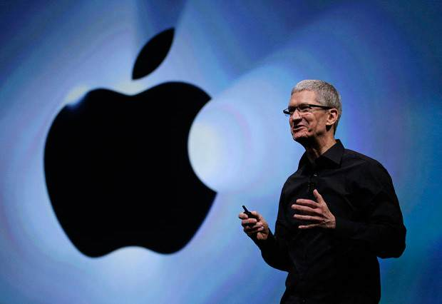 Apple Boss Tim Cook Set To Donate $800 Million Fortune To Charity cook 620x426