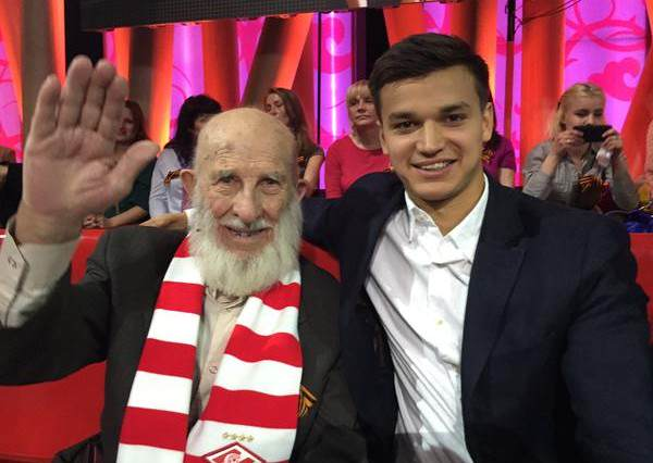 otto 600x426 Russian Football Club Saves 102 Year Old Fan Who Lost His Life Savings