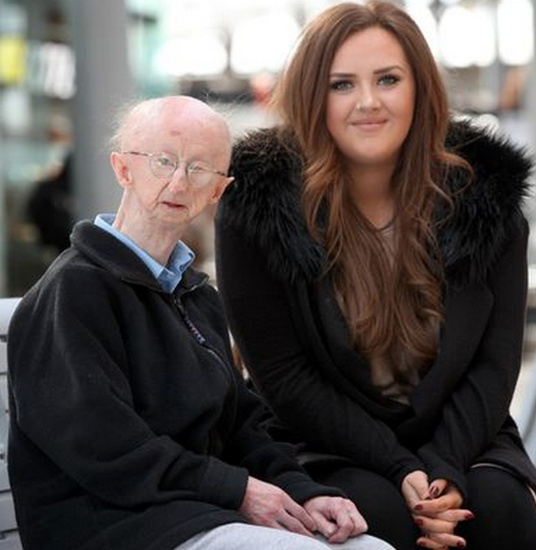 Mugging Victim Alan Barnes Moves Into New Home After £300K Donations Screen Shot 2015 04 16 at 23.03.13