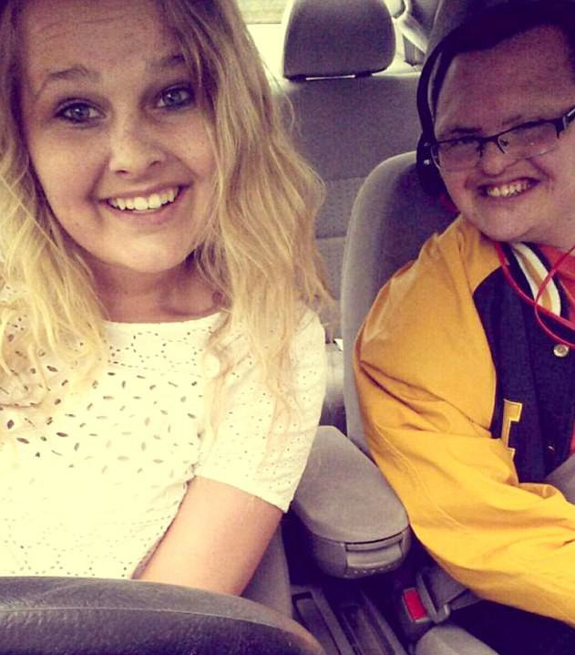 downs1 Lad With Downs Syndrome And His Prom Date Show How Its Done