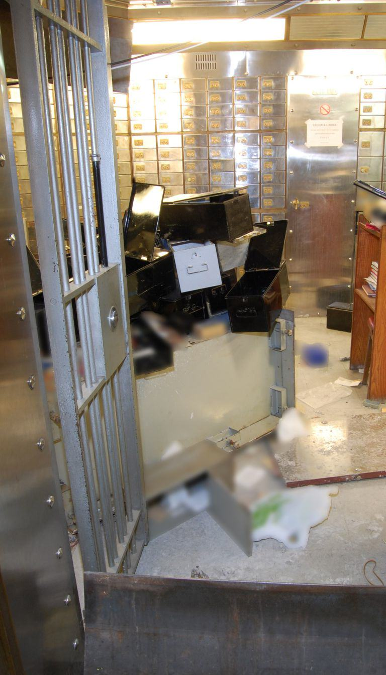 hesit3 New Hatton Garden Heist Images Show How Robbers Succeeded