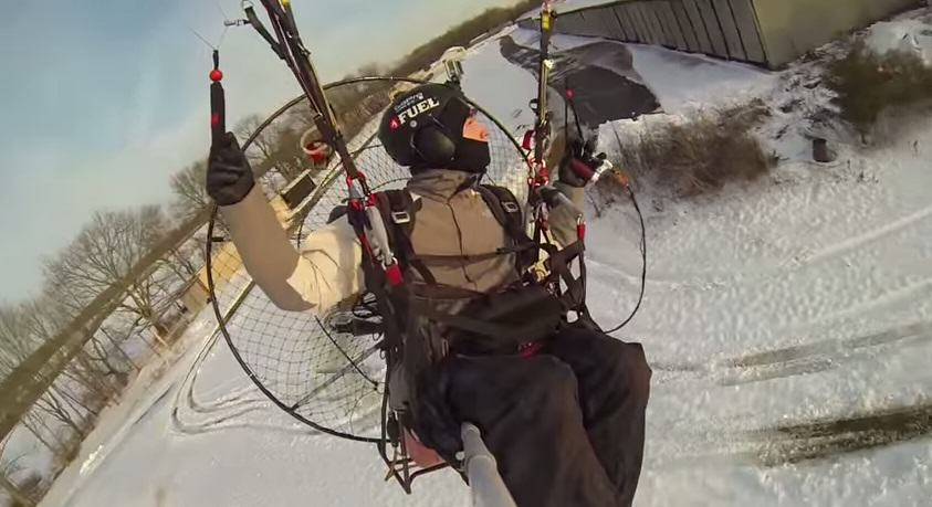 lkjn This Video Of A Daredevil On A Paramotor Is Amazing