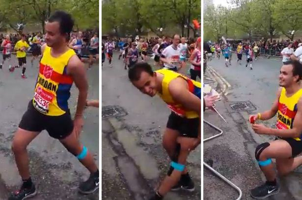 marathon London Marathon Runner Breaks Away From Race To Stun Girlfriend With Proposal