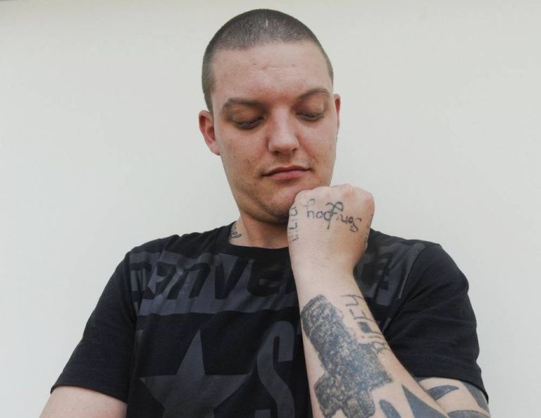 Drunk Dad Manages To DIY Tattoo Himself, Misspells Sons Name And Nickname stupid3