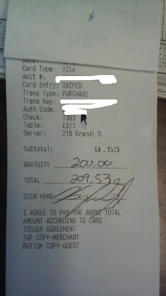 tip Amazing Customer Leaves Waitress $200 Tip So She Can Visit Her Son