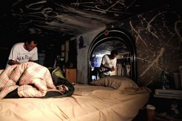 tunnels 640x426 Eye Opening Documentary Shows The Homeless Of Las Vegas Living In Underground Tunnels