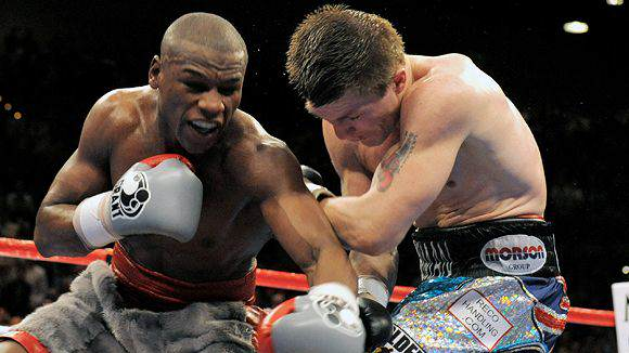 Mayweather Hatton Ricky Hatton Calls Floyd Mayweather A Dickhead For Disrespecting The Sport