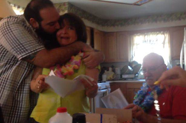 Son vacation 02 Lad Surprises Parents With Trip To Hawaii For Their 50th Anniversary