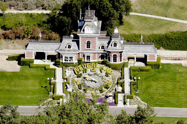 Kanye West Wants To Buy Neverland And Live There With Kim Kardashian kanye 1