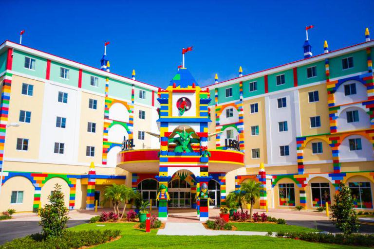 lego hotel 1 Worlds Biggest LEGO Hotel Opens In Florida, Looks AWESOME