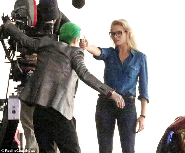 leto joker 10 The Joker Looks Crazy As F*ck In These Suicide Squad Set Photos