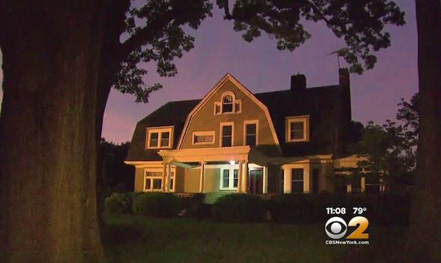 062415house Family Abandon $1.3M Home After Receiving Chilling Anonymous Letter