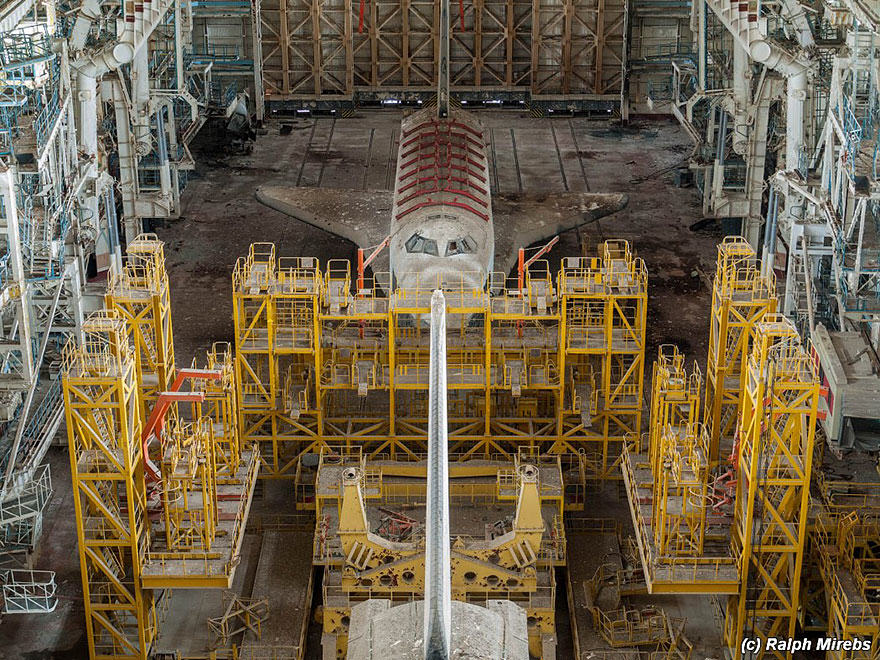 3S Urban Explorer Finds Lonely Remains Of The Soviet Space Shuttle Program