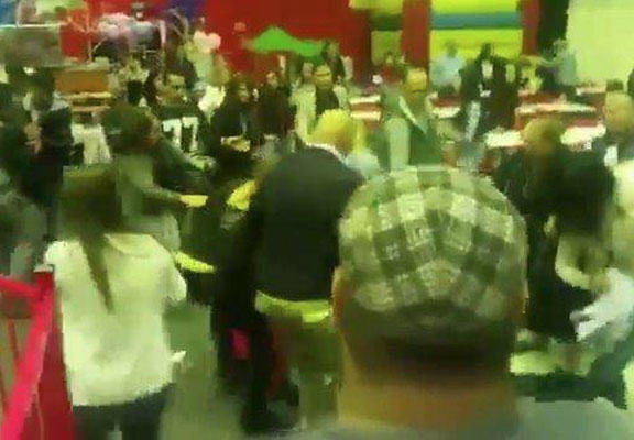 children brawl WEB Huge Brawl Erupts In Childrens Soft Play Area Because STRAYA