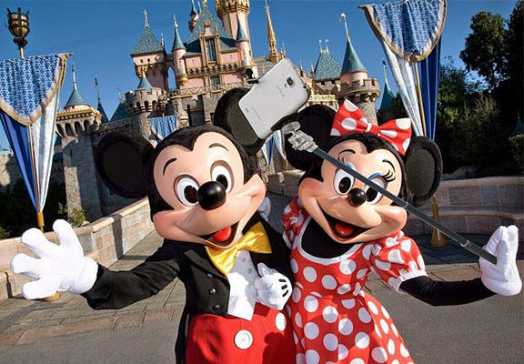 disney selfie stick WEB Disney Bans Selfie Sticks In All Its Theme Parks