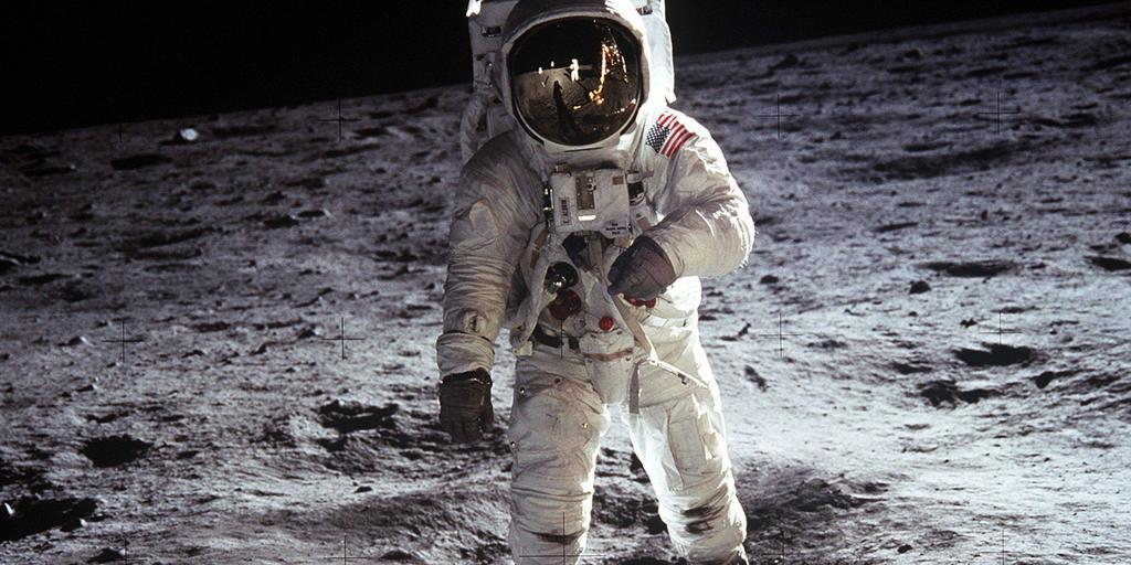 moon landing lol 1 Russia Doesnt Believe U.S. Landed On The Moon, Wants International Investigation