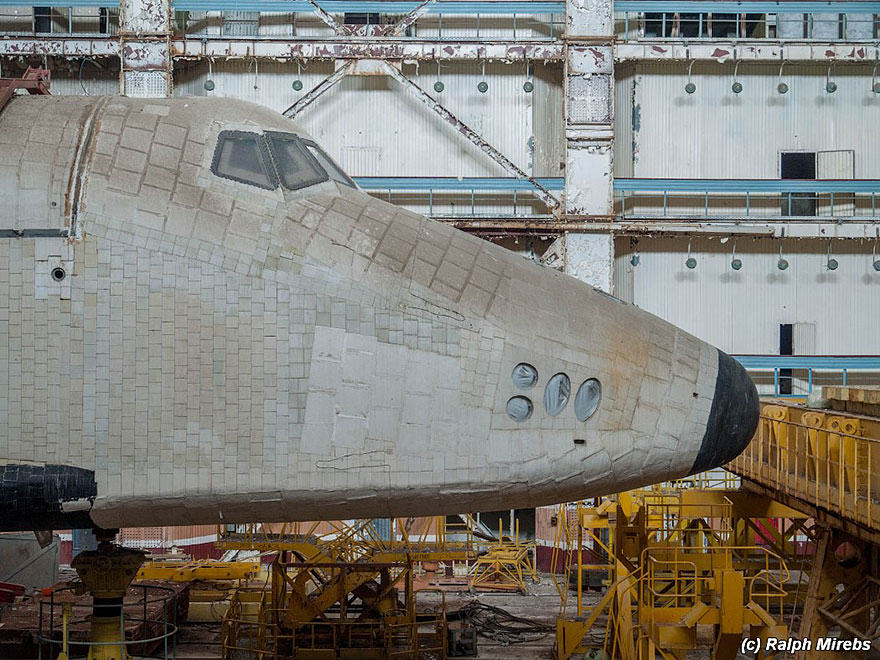 new spac 5 Urban Explorer Finds Lonely Remains Of The Soviet Space Shuttle Program