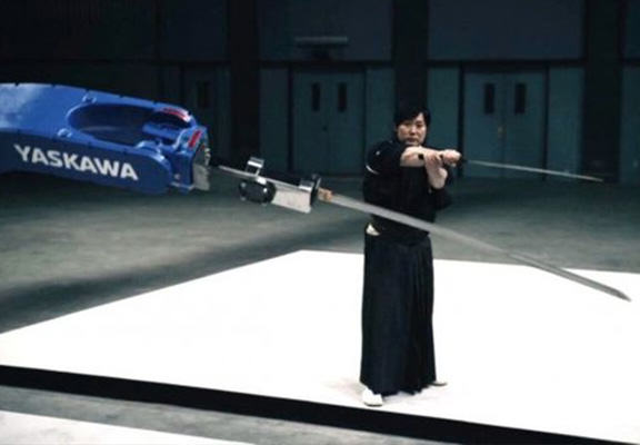 sword robot WEB Giant Sword Wielding Robot Takes On Modern Day Samurai Because Why The Hell Not?