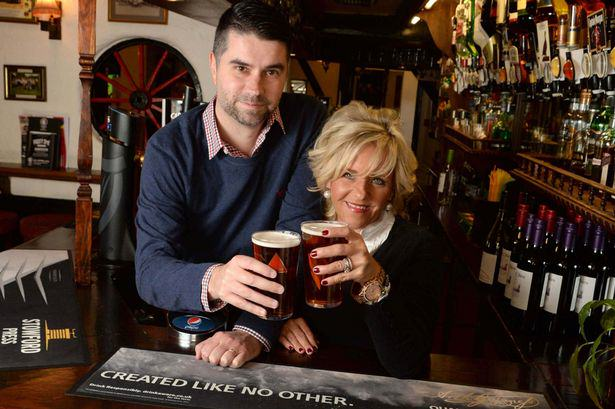 27 This American Couple Fly 8,000 Miles For A Pint In A Birmingham Pub Every Six Weeks   But Why?
