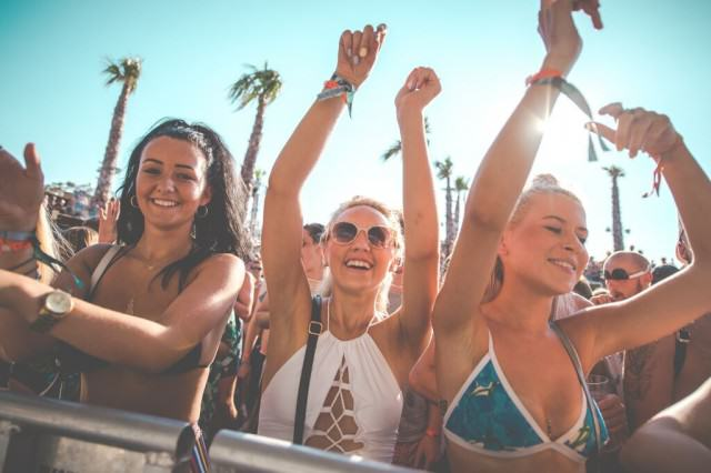 In Review: 5 Years of Hideout Festival Hot girls 640x426