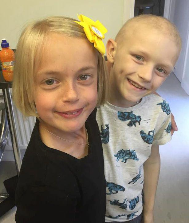 girl cancer hair 1 Little Girl Chops Off Her Hair For Boyfriend With Cancer