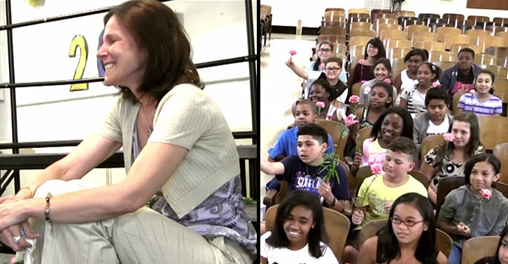 schoolfacebook This Amazing School Choir Surprised Their Teacher After Her Cancer Diagnosis