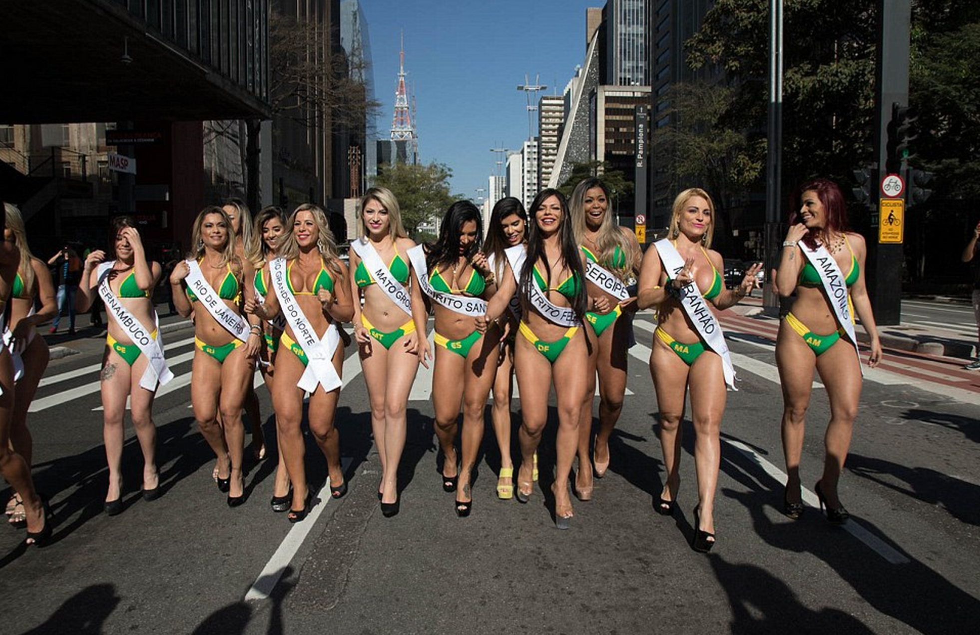 IRqJVgLcy Brazilian Miss Bum Bum Contestants Cause Chaos On Streets Of Sao Paulo