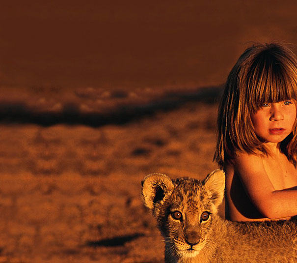 UNILAD 5E84kgQ6 These Awesome Photos Show A Little Girl Who Is Basically The Real Life Mowgli
