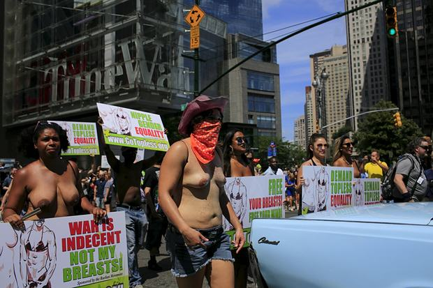 Topless Protestors Take On NY To Stop Mayor Banning Women Baring Their Boobs UNILAD Eduardo MunozReuters3