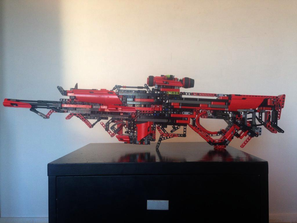 UNILAD HcoIOZ17 This Guy Created A Fully Working Gun Out Of Lego