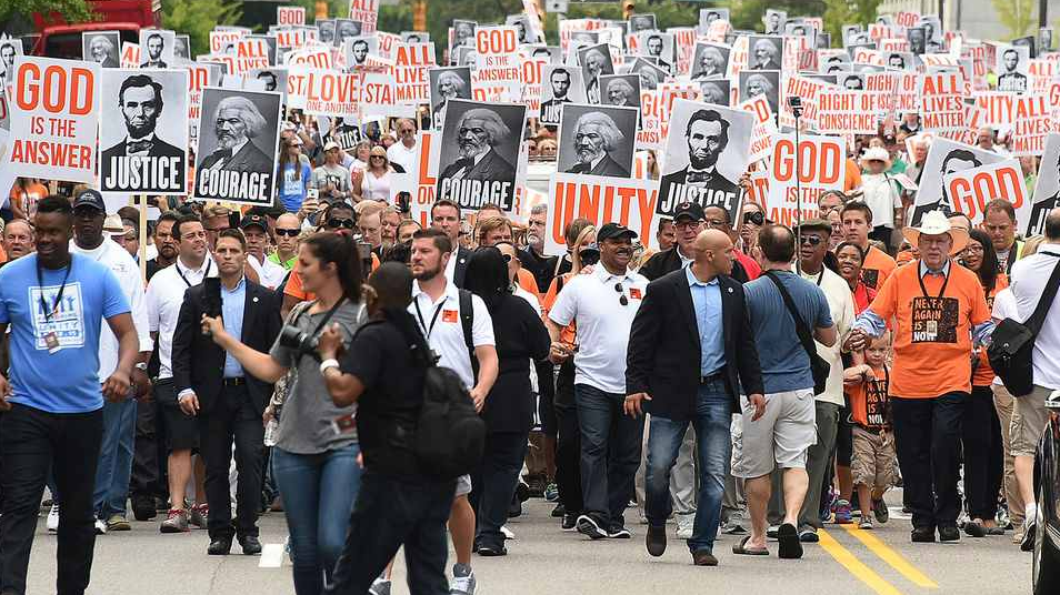 UNILAD Screen Shot 2015 08 31 at 01.41.508 'All Lives Matter' March Attracts Over 20,000 Participants, And Chuck Norris