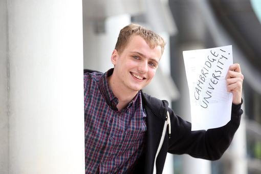 UNILAD Wales Online4 Homeless Student Gets Straight A*s And Wins Himself A Place At Cambridge
