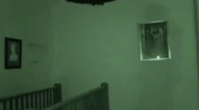 UNILAD ZKm1GFk4xE Has Derek Acorah FINALLY Got Proof Of A Ghost On Camera?
