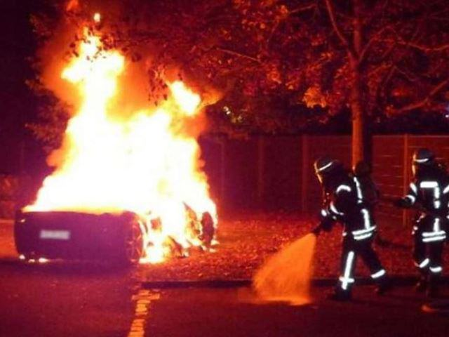 UNILAD burnt car 22 This Guy Torched His Ferrari So Daddy Would Buy Him A New One