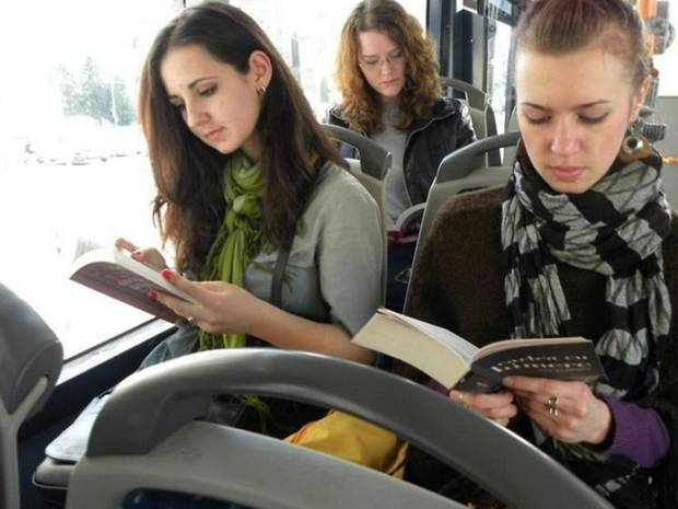 Romanian City Offered Free Rides To People Reading On Bus UNILAD bus8