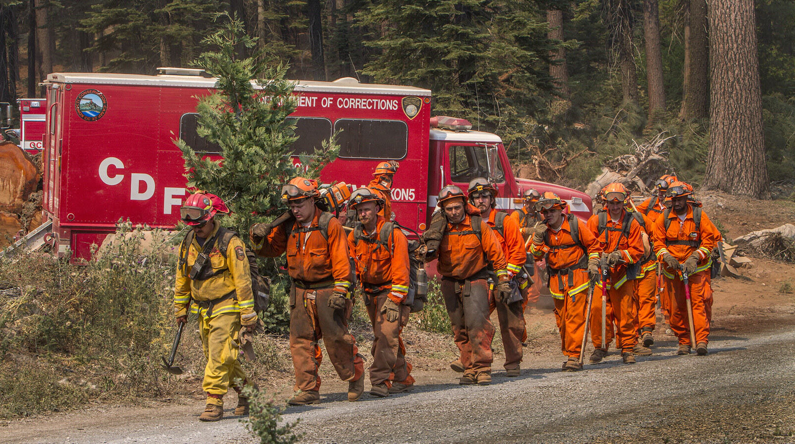 UNILAD california fire 17 Thousands Of Prisoners Are Fighting Wildfires In California For Less Than $2 A Day