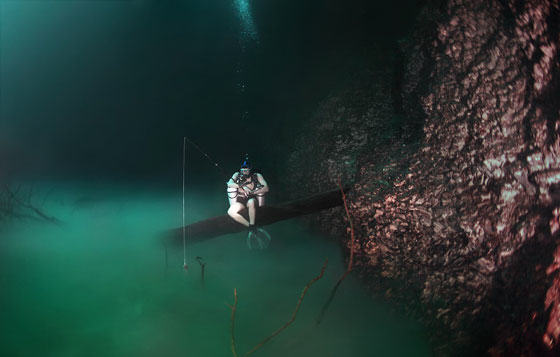 UNILAD diver8 Diver Discovers Incredible Underwater River In Mexico