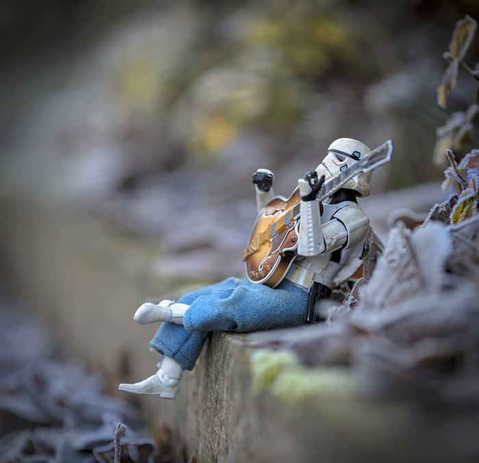 UNILAD guitar6 Awesome Photos Imagine What Stormtroopers Get Up To On Their Days Off