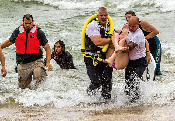 UNILAD save4444 One Surfer Saved The Lives Of Two Teenage Girls Caught In Riptide