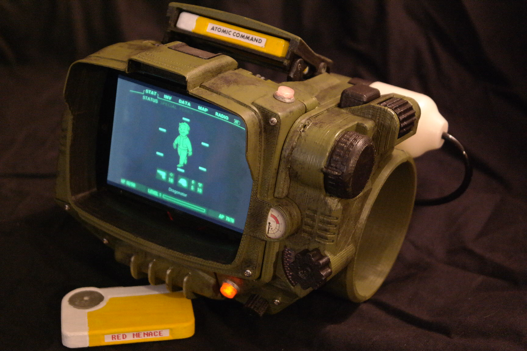 cFotNarKxSAM 3077.JPG Couldnt Get A Pip Boy Collectors Edition? Now You Can Print One